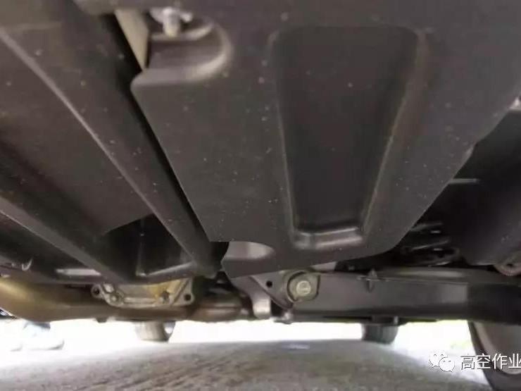 车烂先烂底,高空作业车底盘到底如何来保养呢?