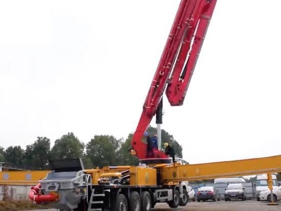 慧盟重工全球首台五桥70米泵车震撼发布
