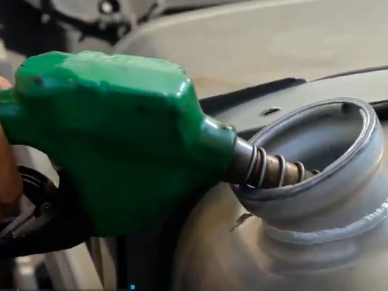 汕德卡燃油系统的保养