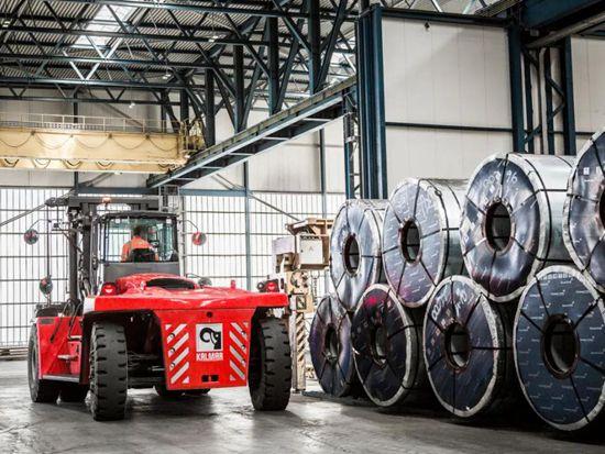 卡尔玛叉车及维护服务助力芬兰不锈钢工厂安全可靠地处理钢材