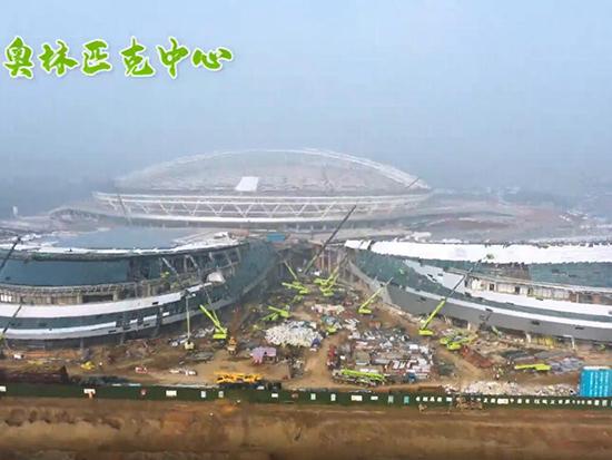 中联重科智能高机助建乐山市奥林匹克中心