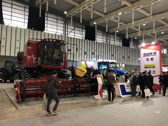 凯斯红色动力亮相江苏国际农业机械展览会