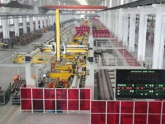 媒体报道  实地探访鼎力大型高空作业机械未来工厂
