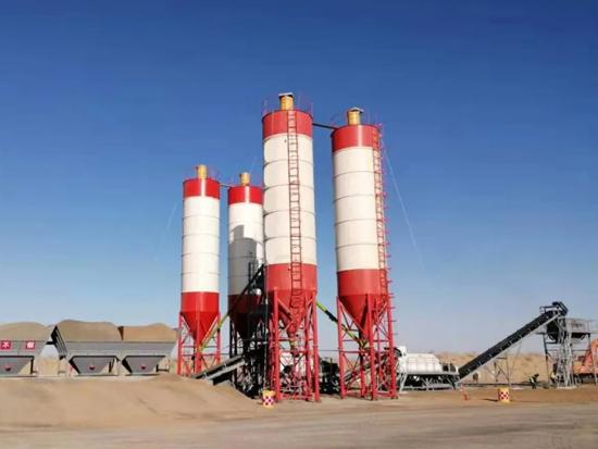 方圆集团多台WBZ800型稳定土拌和站 参与新疆首条沙漠高速公路阿乌高速建设