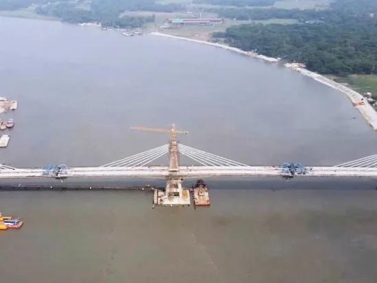 方圆塔机助力孟加拉国PAlRA大桥建设工程