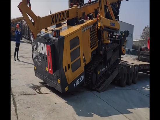 徐工XMZ200无线遥控多功能钻机远程遥控装车