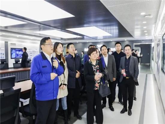 民主党派湖南省委机关青工委团队一行考察山河智能