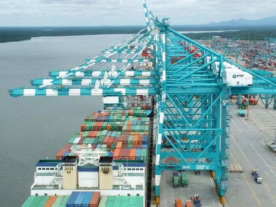 振华重工与马来西亚新山PTP码头签订港机设备采购合同