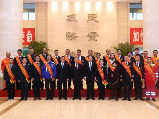 五一交通运输行业先进典型座谈会在京举行