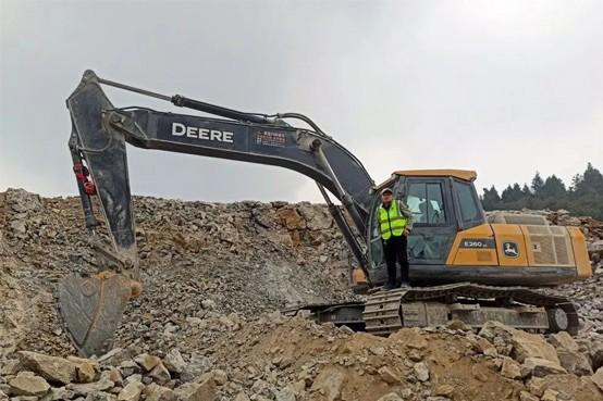 约翰迪尔E260LC挖掘机,志得意满的选择!