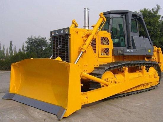 土方工程机械履带式推土机的结构与工作原理