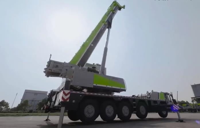 中联重科 Zoomlion ZAT18000H 起重机产品介绍