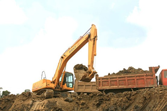 三一挖掘机无锡硕放机场二期改扩建工程施工案例