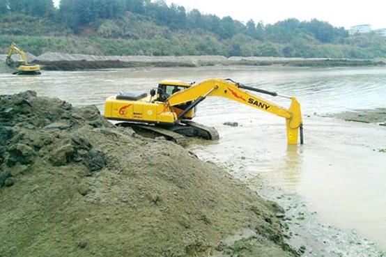 两台三一挖掘机垄断潦河清淤工程施工案例