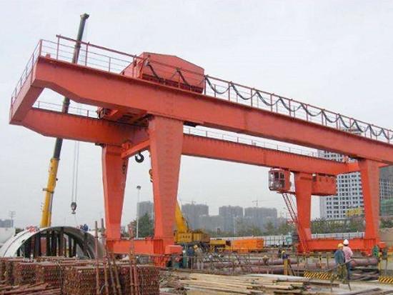 桥式起重机与门式起重机安全操作须知