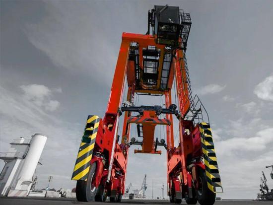 卡尔玛成熟的跨运车技术助力法国留尼汪岛提升运营能力