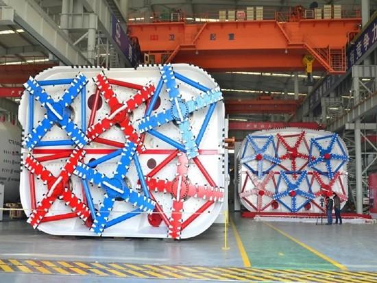 中铁装备矩形盾构顶管机成功应用于上软下硬复合地层