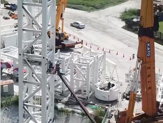 加藤起重機塔吊組裝作業