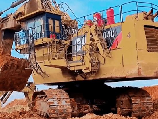 卡特6040挖機作業實拍,這種大挖國內實屬罕見,一般人能養得起嗎