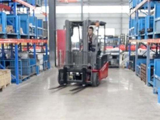 米玛电动叉车-三支点平衡重叉车TKC操作视频