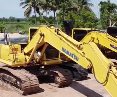 小松PC130-10M0作比较三部挖掘机