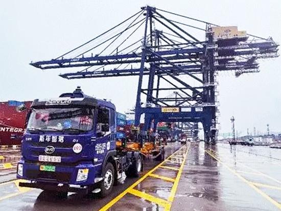 斯年智驾拿下全球首个港口无人驾驶商业化付费订单