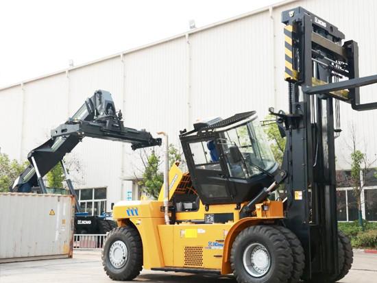 徐工流动式港口机械又添新品,重型叉车XCF2012K强势来袭!