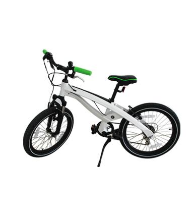 宝马BMW Lifestyle生活精品 儿童产品系列 少年休闲自行车 白绿色