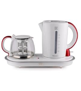 伊莱克斯 EGEK750电热水壶(茶盘)