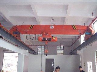 山东莱芜单梁行车行吊厂家25米跨5t行车价格