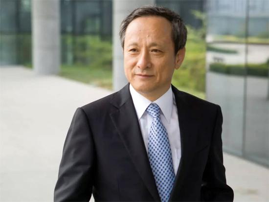 做好实体经济 中国企业需要到大海里游泳