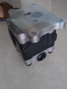 小松配件PC56-7齿轮泵