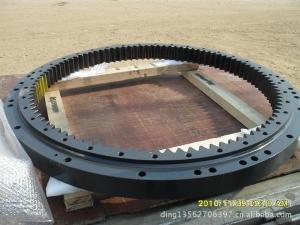 小松配件回转支承:小松PC200-8回转支承
