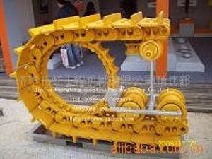 供应山推推土机配件  推土机四轮一带 支重轮 拖轮 驱动齿 ...
