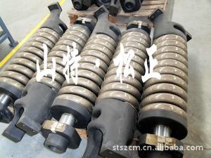 PC220-8涨紧油缸专业小松配件服务 山东小松挖掘机配件