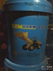 山工厦工装载机配件机油滤芯