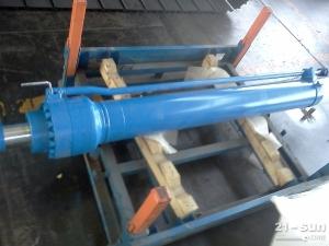 供应山重建机挖掘机JCM913斗杆油缸
