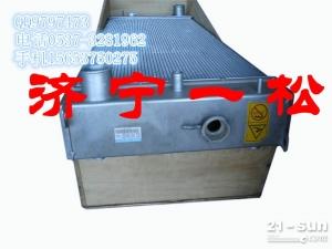 山东济宁一松专业销售小松原厂挖掘机配件PC200-7水箱