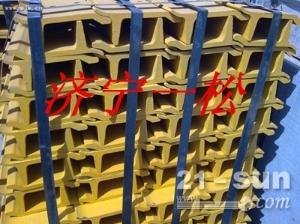 小松原厂挖掘机配件PC200-7履带板风扇叶轴承减速机山东一松0537-3281962王青云