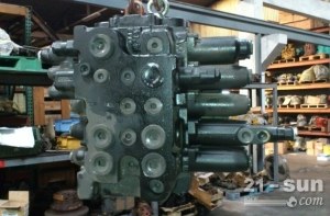 神钢210-6E挖掘机分配器 多路阀总成 分配阀阀块
