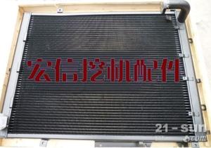 日本原装小松PC360-7发动机水泵