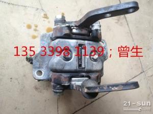 小松挖掘机配件PC300-7脚踏阀