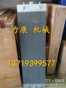 小松PC450-7挖掘机 SAA6D125E-3水箱散热器 水泵