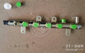 小松挖掘机资阳代理山特松正低价处理PC450-7原厂共轨油槽...