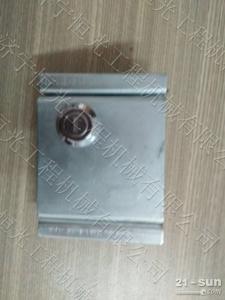 小松挖掘机PC200-7-8发动机罩前板锁紧