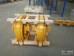 山推SD22原厂引导轮总成T221040100
