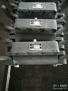 山推推土机配件SD13转向助力器10Y-76-13000