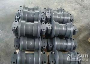 小松挖掘机配件 PC300-8支重轮