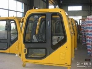 竹内TB140挖掘机驾驶室