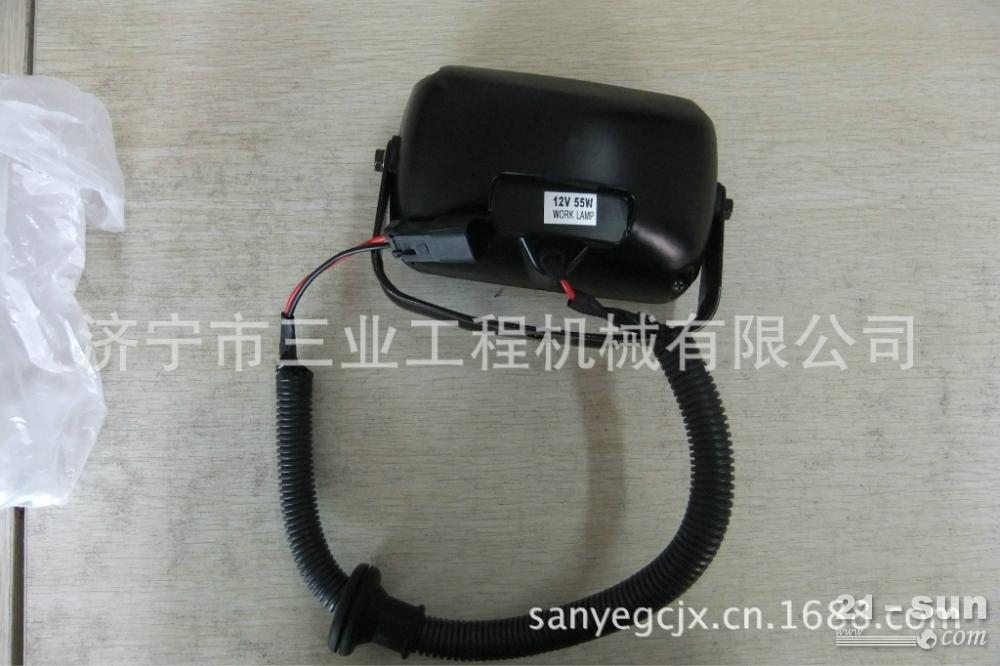 小松PC-7工作大灯